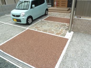 駐車も可能なアプローチです。